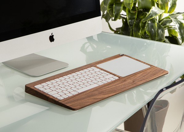 Touch TrackpadTray made out of Walnut wood